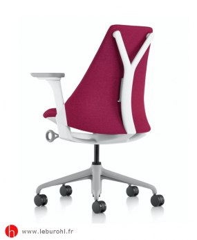 Fauteuil Sayl tissu Grenat Structure Fog Studio White Accoudoirs Fog Herman Miller Le Buro HL 2
